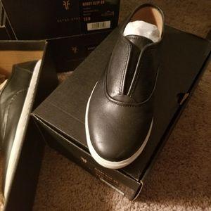 NITB Frye Mindy walking shoes black Leather slipon